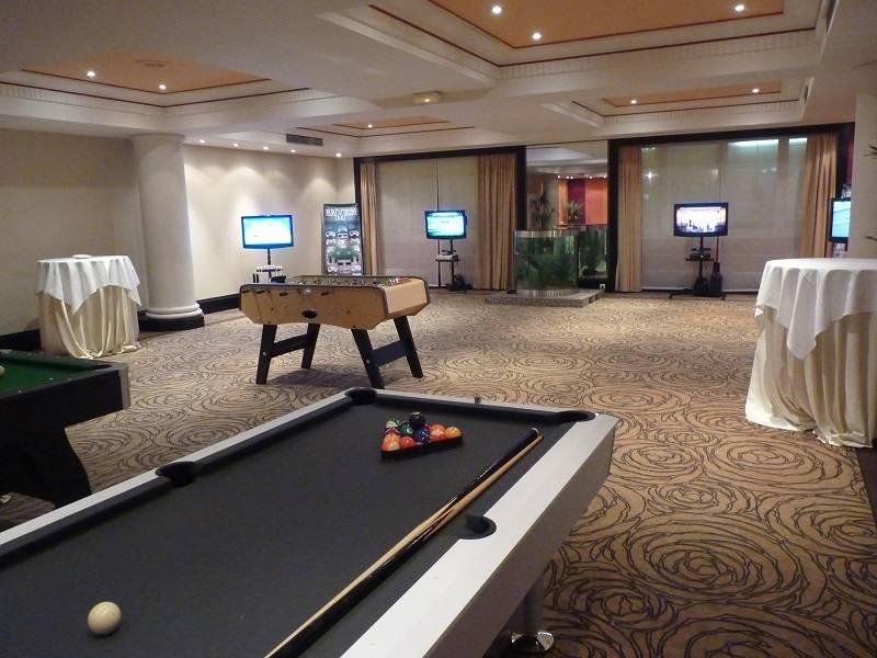 location jeux de bar marseille location baby foot et. Black Bedroom Furniture Sets. Home Design Ideas
